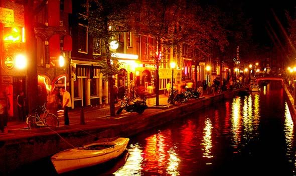 Amsterdam-by-night