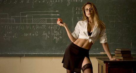 ροζ δασκάλα
